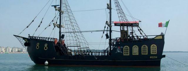 Pirátská loď La Perla Nera